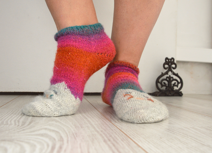 chaussettes-chat-tricotees-2doigtsdidee