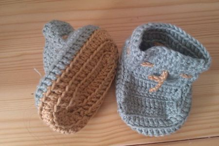 chaussons-bebe-crochet-2doigtsdidee