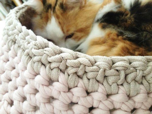 Panier pour chat au crochet