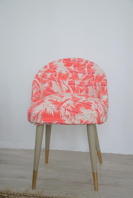 fauteuil-pied-peint-DIY-2doigtsdidee