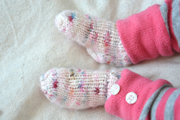 patron-chaussettes-tricotee-bebe-2doigtsdidee