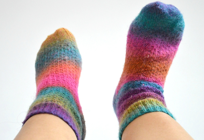 premieres-chaussettes-tricotees-2doigtsdidee