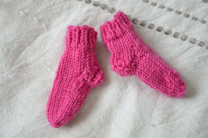 chaussettes-tricotees-naissance-bebe-2doigtsdidee