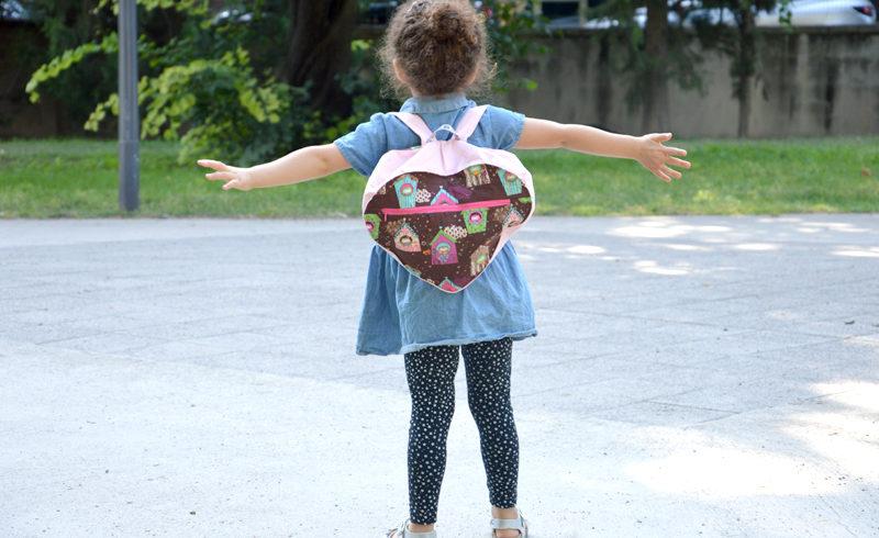 Coudre un sac à dos en forme de cœur