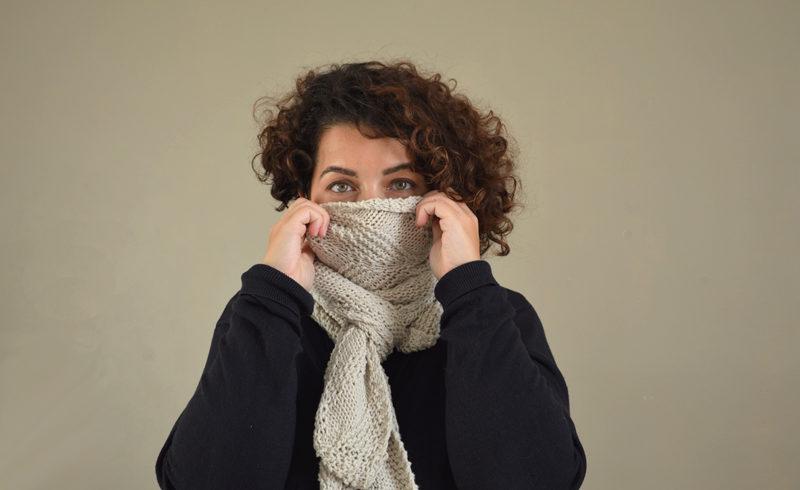 Tricoter une écharpe, tout simplement