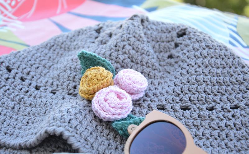 roses crochet chapeau