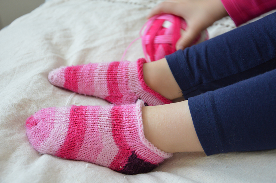 chaussettes tricotées roses