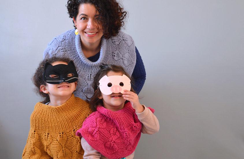 Pèlerine tricotée : un trio haut en couleurs !